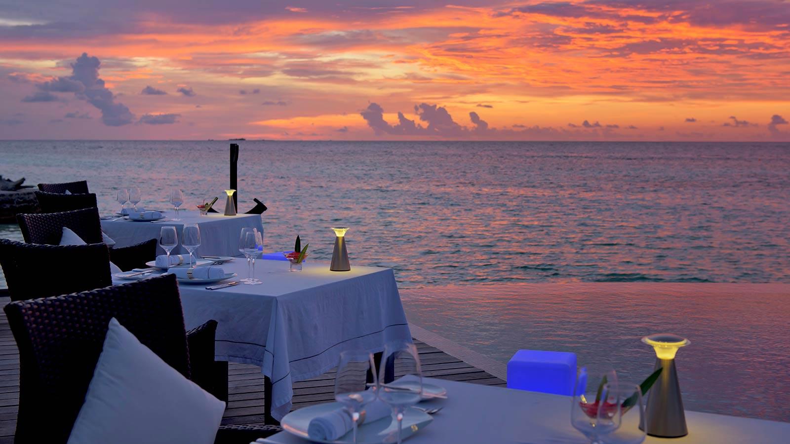 Maldives Dining Lily Beach