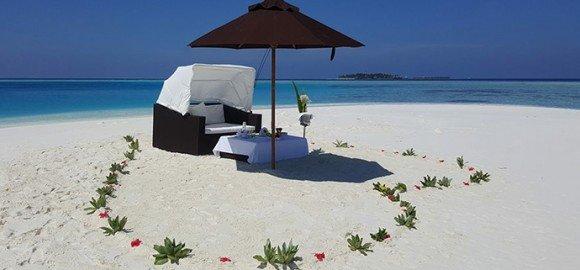 Private sandbank breakfast lily beach maldives
