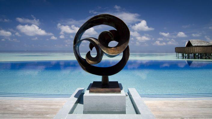 Infinity Pool Lily Beach Maldives
